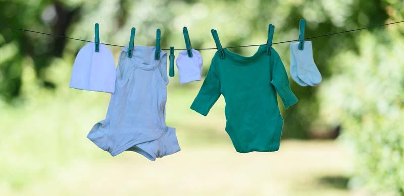 cum alegi haine pentru bebelusi